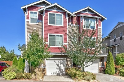 Everett Condo/Townhouse For Sale: 301 126th Place SE #B