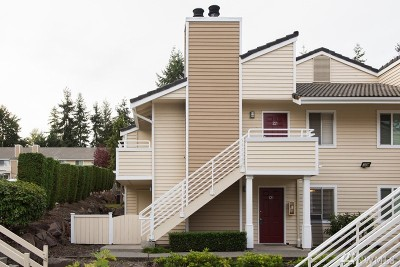 Mountlake Terrace Condo/Townhouse For Sale: 21309 52nd Ave W #D-121