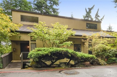 Bellevue Condo/Townhouse For Sale: 10925 NE 37th Place #2