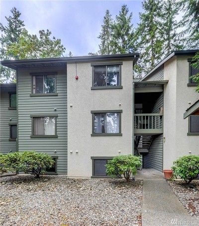 Kirkland Condo/Townhouse For Sale: 12721 NE 129th Ct #F105