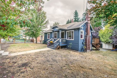 Everett Single Family Home For Sale: 6915 Highland Dr