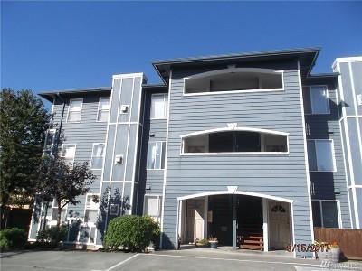 Oak Harbor Condo/Townhouse For Sale: 300 N Oak Harbor St #C301