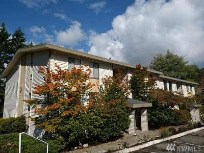 Kirkland Condo/Townhouse For Sale: 830 Kirkland Wy #104