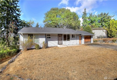 Lakewood Single Family Home For Sale: 9117 Winona Dr SW