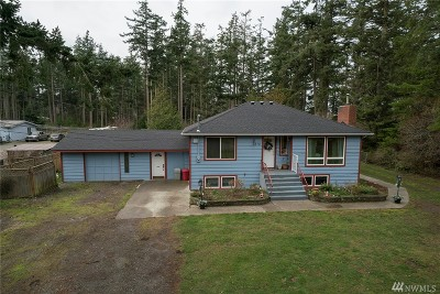 Oak Harbor Single Family Home For Sale: 1375 Northview Rd