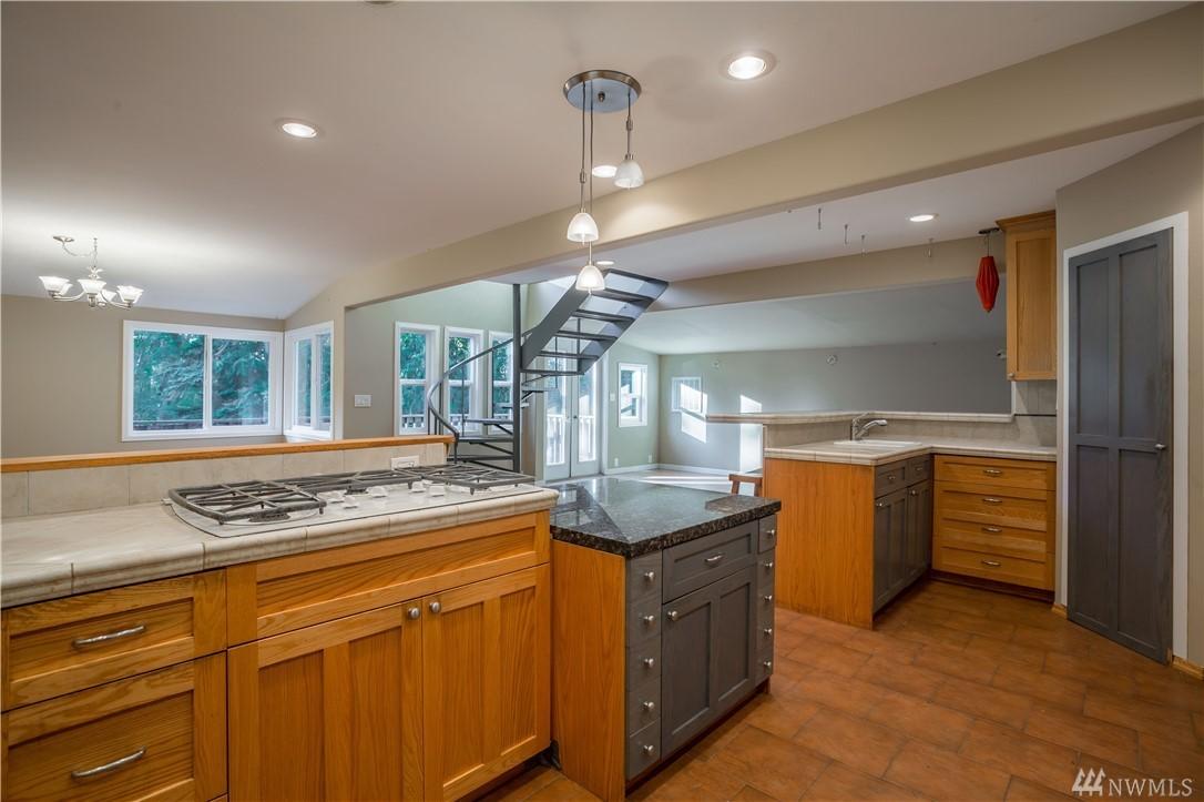 Listing: 199 Pacific Hwy, Bellingham, WA.| MLS# 1199325 | Bellingham Real  Estate | Sommer Cronck