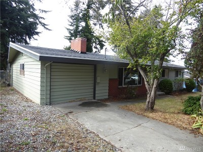 Oak Harbor Single Family Home For Sale: 2563 Airline Wy