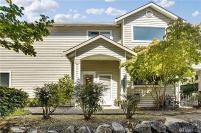 Bothell Condo/Townhouse For Sale: 2201 192nd St SE #U102