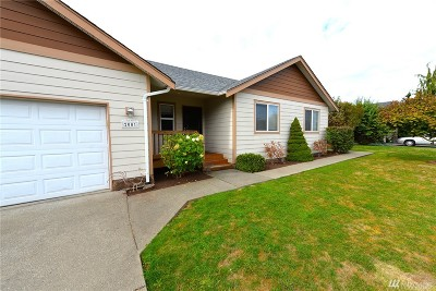 Lynden Single Family Home For Sale: 2001 Buttercup Dr