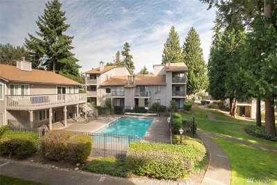 Federal Way Condo/Townhouse For Sale: 33006 17th Place S #A204