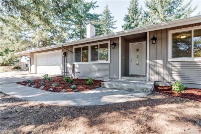 Lakewood Single Family Home For Sale: 8820 82nd Ave SW