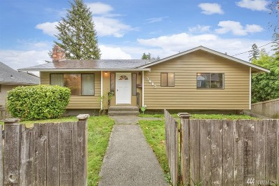 Everett Single Family Home For Sale: 3903 Friday Ave