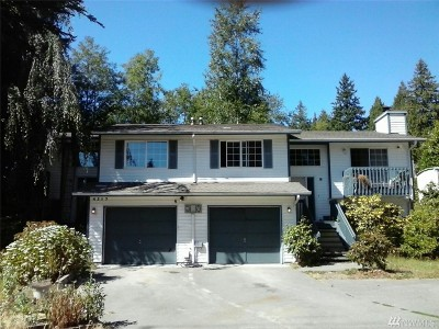 Stanwood Multi Family Home For Sale: 4517 Lakewood Rd