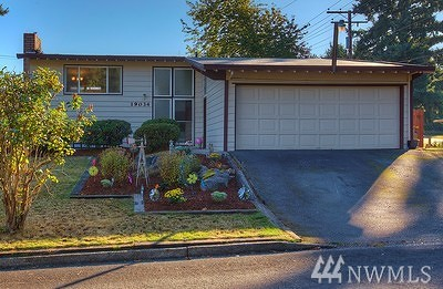 Burien Single Family Home For Sale: 19034 7th Ave S