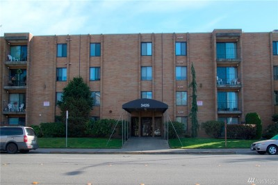 Everett Condo/Townhouse For Sale: 3425 Colby Ave #603