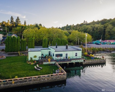 Port Orchard Single Family Home For Sale: 619 SW Bay St