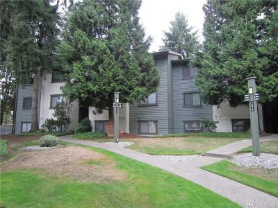 Kirkland Condo/Townhouse For Sale: 12905 126th Ct NE #K103