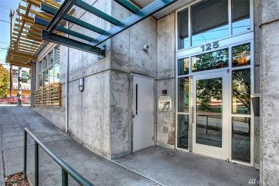 Condo/Townhouse Sold: 125 E Lynn St #306