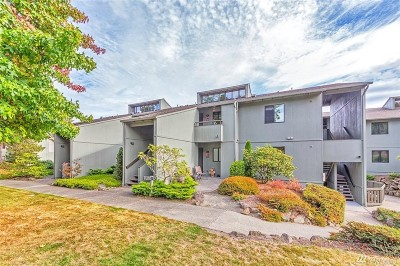 Port Ludlow Condo/Townhouse For Sale: 100 Olympic Place #19