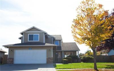 Burlington Single Family Home For Sale: 692 Hamlin Place