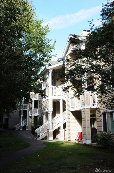 Bothell Condo/Townhouse For Sale: 15300 112th Ave NE #A212