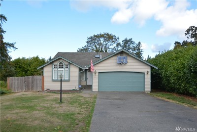 Lakewood Single Family Home For Sale: 9005 Wildwood Ave SW