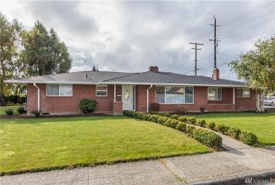 Everett Single Family Home For Sale: 2116 14th St