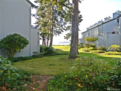 Birch Bay Condo/Townhouse For Sale: 7806 Birch Bay Dr #203