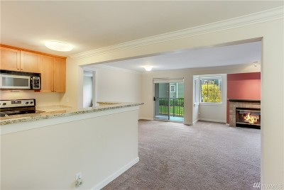Federal Way Condo/Townhouse For Sale: 28708 18th Ave S #W202