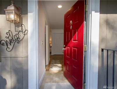 Federal Way Condo/Townhouse For Sale: 2129 SW 318th Place #D