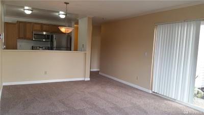 Burien Condo/Townhouse For Sale: 17431 Ambaum Blvd S #D-7