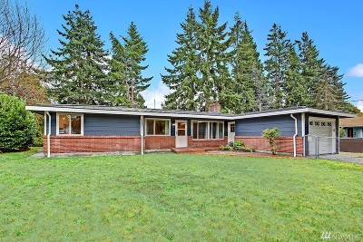 Lynnwood Single Family Home For Sale: 18521 67th Ave W