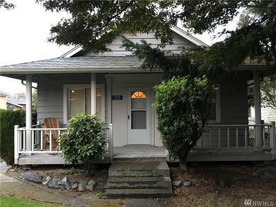 Burlington Single Family Home For Sale: 315 Avon Ave