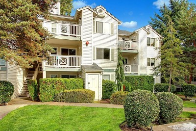 Kirkland Condo/Townhouse For Sale: 9910 NE 137th St #B206