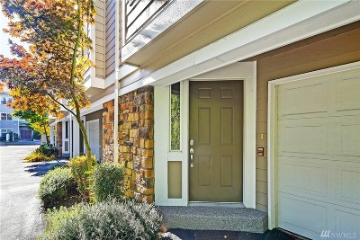 Kenmore Condo/Townhouse For Sale: 7216 NE 182nd St