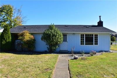Puyallup Single Family Home For Sale: 1411 Valley View Dr
