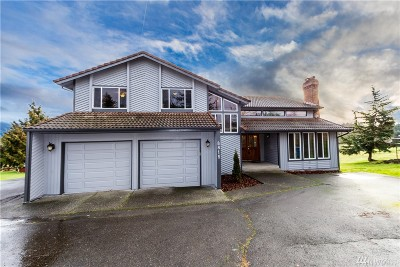 Puyallup Single Family Home For Sale: 8815 Woodland Ave E
