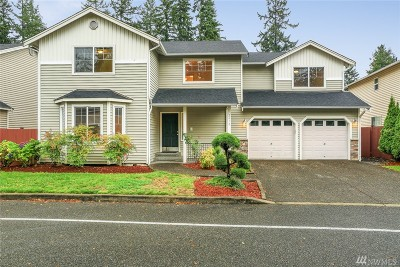 Lynnwood Condo/Townhouse For Sale: 2418 135th Place SW