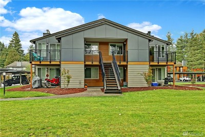 Bothell Condo/Townhouse For Sale: 10827 NE 147th Lane #Q204