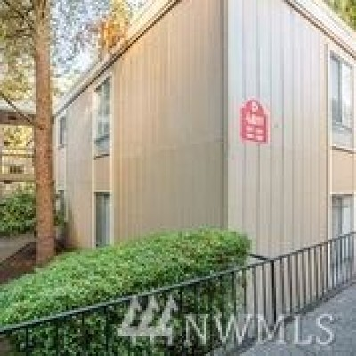 Lynnwood Condo/Townhouse For Sale: 4811 180th St SW #D107