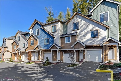 Redmond Condo/Townhouse For Sale: 5908 185th Ct NE #103