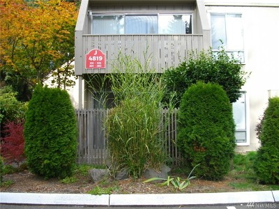 Lynnwood Condo/Townhouse For Sale: 4819 180th St SW #J-102
