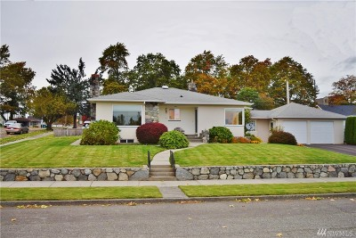 Lynden Single Family Home For Sale: 115 S Ninth St