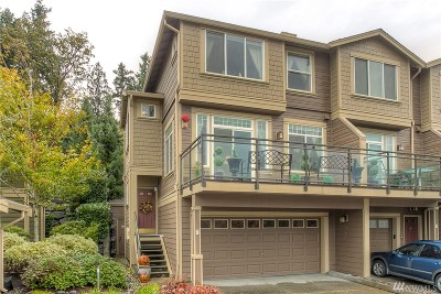 Issaquah Condo/Townhouse For Sale: 23300 SE Black Nugget Rd #A1