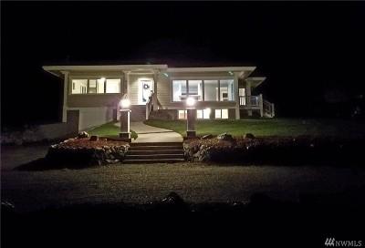 Oak Harbor Single Family Home For Sale: 4149 Jones Rd