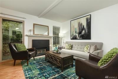 Redmond Condo/Townhouse For Sale: 9805 Avondale Rd NE #X161