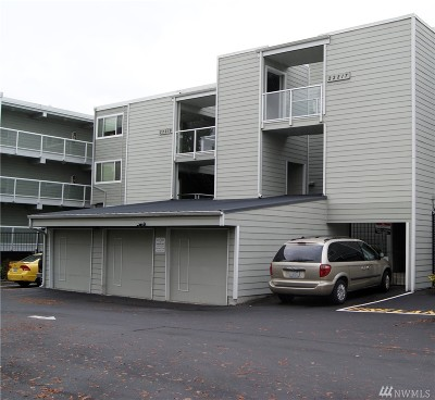 King County Condo/Townhouse For Sale: 22217 6th Ave S #307
