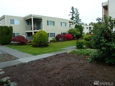 Everett Condo/Townhouse For Sale: 311 128th St SE #E110