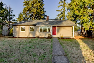 Lakewood Single Family Home For Sale: 6425 Ardmore Dr SW