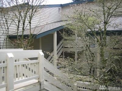 Redmond Condo/Townhouse For Sale: 9302 Redmond Woodinville Rd NE #A206